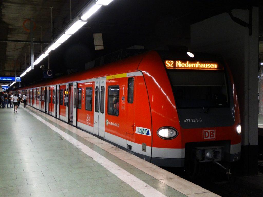 frankfurt-rayli-ulasim